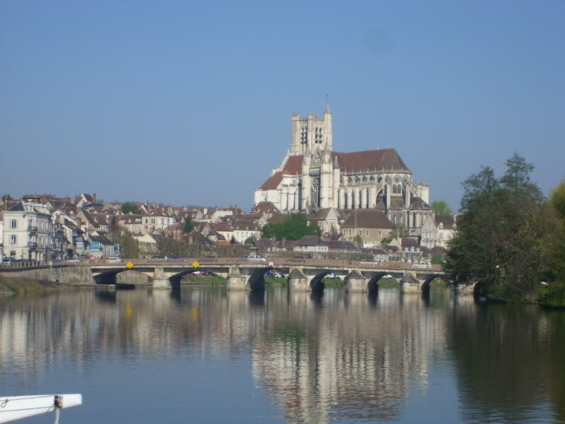Leaving the Leaving the Nivernais for the Yonne river for the Yonne