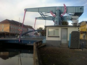 Lifting bridge on the way to Roanne