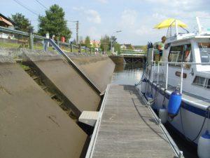 Yonne floating jetty